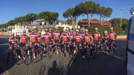Foto di gruppo del team. Foto Fruzzetti