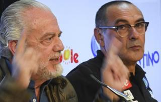 Aurelio De Laurentiis con Maurizio Sarri. Ansa