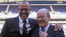 Da sinistra, Nuno Espírito Santo, 43 anni, allenatore del Porto, e Pinto da Costa, 79, presidente del club. Epa