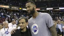 Da sinistra, Vivek Ranadive, 59 anni, proprietario dei Sacramento Kings, e DeMarcus Cousins, 26, centro del club. Ap