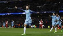 Sané festeggia il quinto gol del City. Reuters