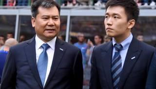 Il proprietario di Suning e dell'Inter  Zhang Jindong con il figlio Steven. Getty