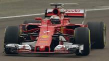 Kimi Raikkonen in pista con la nuova Ferrari SF70H. Ap