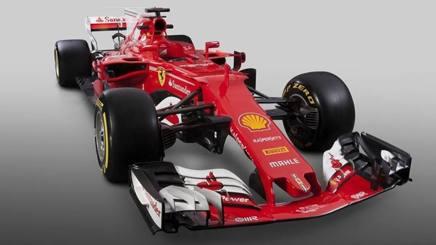 La nuova Ferrari SF70H vista di fronte
