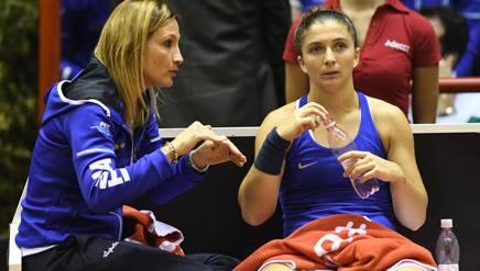 Tathiana Garbin con Sara Errani a Forlì nel match perso con la Slovacchia. IPP