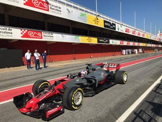 La foto della Haas 2017 che sta facendo il giro del web: al volante  Roman Grosjean, 30 anni