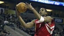 Tracy McGrady, oggi 37 anni, ai tempi di Houston. Epa