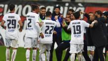 L'esultanza del Cagliari dopo il gol di Borriello. LaPresse