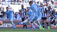 Ciro Immobile, 27 anni, segna  il suo 14° gol in campionato. LaPresse