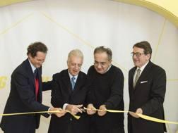 Da destra Gian Carlo Muzzarelli, Sergio Marchionne, Piero Ferrari e John Elkann. Ansa