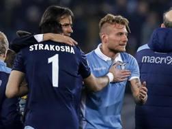 Simone Inzaghi festeggia con Strakosha e Immobile a fine gara. Ansa