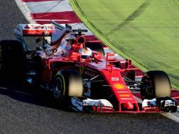 Sebastian Vettel in azione nei test con la Ferrari SF70H