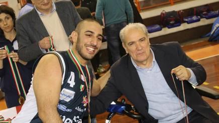 Il presidente federale Zappile (dx) con Giulio Papi, dell'UnipolSai Cantù. Fipic/Di Renzo