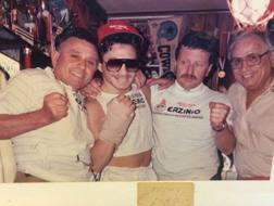 I Pazienza nel giugno '87: Erzinio, Vinny, Franco (con le magliette della ditta di famiglia) e Angelo