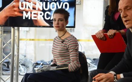 Bebe a Milano diventa anche testimonial
