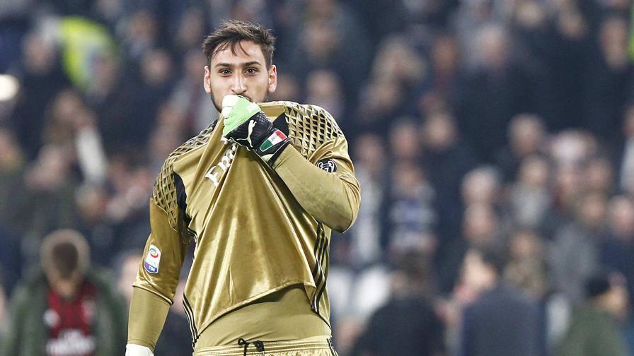 Bacia lo stemma e protesta Gigio giura amore al Milan?