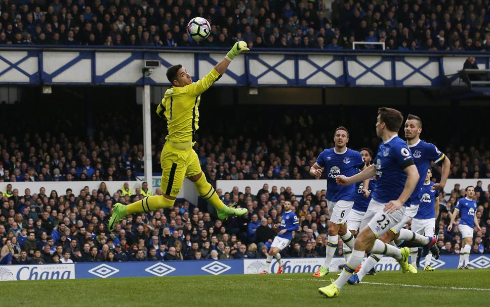Liverpool. Premier League, il portiere dell'Everton Joel Robles (Action Images)