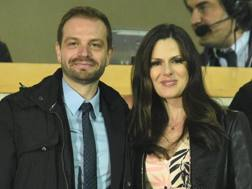 Da sinistra, Paul Baccaglini, 33 anni, presidente del Palermo, e la compagna Thais Souza Wiggers, 31. Ansa