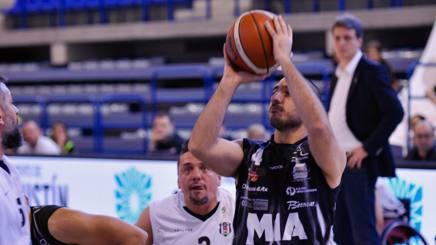 Giulio Papi in campo contro il Besiktas