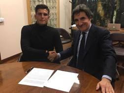 Il presidente del Torino Urbano Cairo con il difensore Kevin Bonifazi, 20 anni