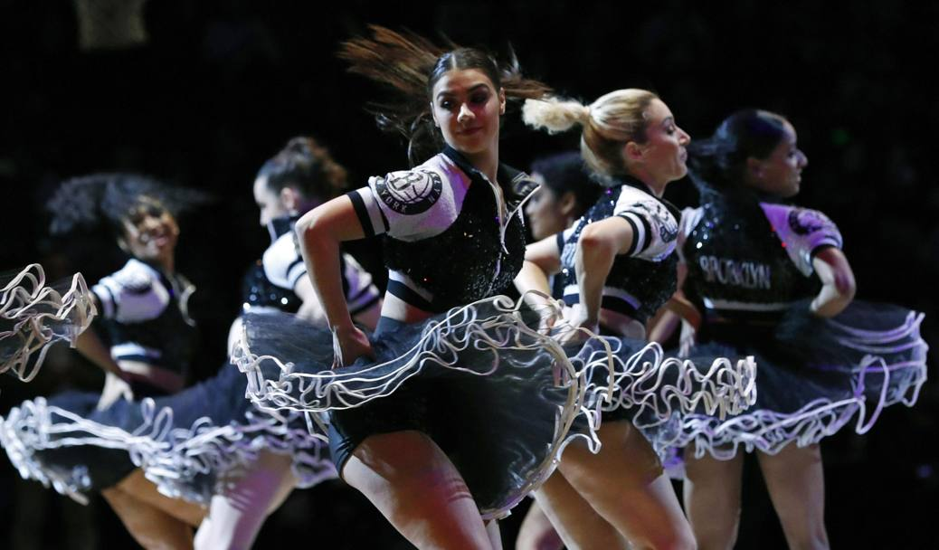 Campionato Nba, le cheerleaders dei Brooklyn Nets. (Epa)