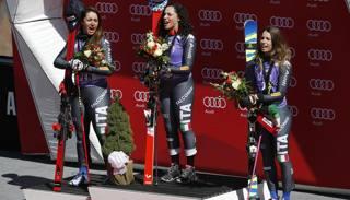 Sofia Goggia, Federica Brignone e Marta Bassino cantano l'Inno sul podio. Ap