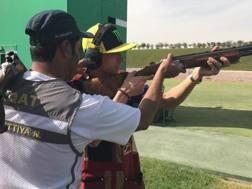 Valentino Rossi si è allenato a tiro a volo col campione Nasser Al-Attiyah