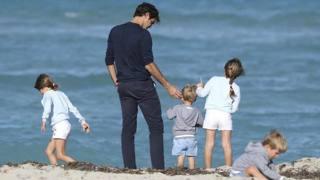 Federer, relax in famiglia prima dell'assalto alla tripletta