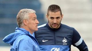 Didier Deschamps e Karim Benzema. AFP