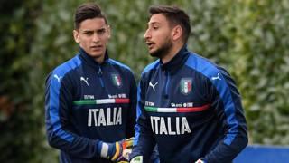 Meret e Donnarumma in allenamento con l'Italia. Getty Images