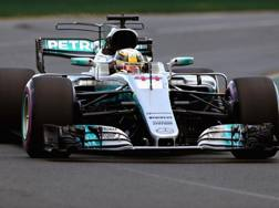 Lewis Hamilton in azione a Melbourne. Getty