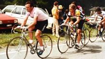Bernard Hinault in rosa davanti a Greg LeMond al Giro d'Italia 1985. Mosna