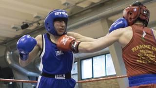 Francesca Moro, 25 anni, in blu, nel match di Chieti. Activa