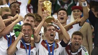 La Germania festeggia il titolo 2014 vinto in Brasile. Ap