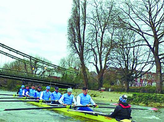L'otto azzurro in allenamento sul Tamigi