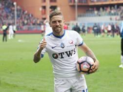 Hattrick e pallone della partita: ecco Gomez oggi dopo i 3 gol al Genoa. LaPresse