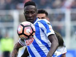 Mamadou Coulibaly, 18 anni, in campo da titolare contro il Milan. Getty Images