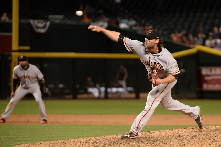 San Francisco Giants-Arizona Diamondbacks. Il lancio di Hunter Strickland dei San Francisco Giants. Phoenix, Arizona. (Afp)