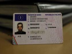 Nuove regole per l'esame di conseguimento della patente di guida. Archivio