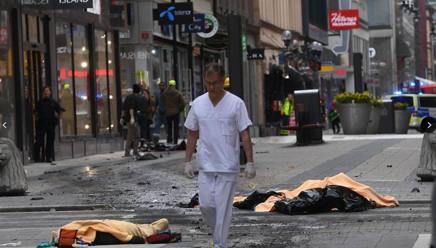 Una delle prime immagini arrivate da Stoccolma. (fonte aftonbladet.se)