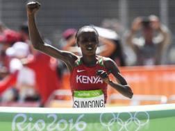 L'arrivo vittorioso di Jemima Jelagat Sumgong a Rio 2016. Epa