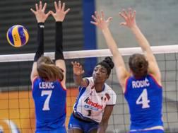 Una fase di Italia-Serbia con Terry Enweonwu in azione CEV.LU