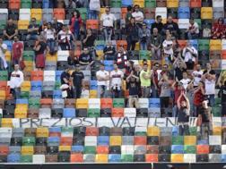 I tifosi del Genoa alla Dacia Arena. Lapresse