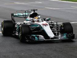 Lewis Hamilton arriva in trionfo in Cina. Reuters