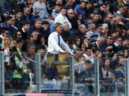 Davide Nicola segue dalla tribuna la sfida contro l'Inter. LaPresse