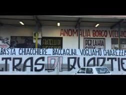 Lo striscione esposto dagli ultrà del Palermo