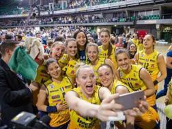 Selfi vincente per Conegliano dopo la Coppa Italia. Moriella