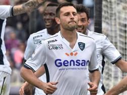 Manuel Pasqual esulta dopo il rigore vincente di Firenze. Ansa