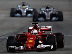 Vettel precede le Mercedes nel GP del Bahrain. Getty