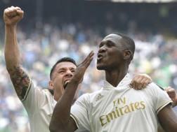 L'esultanza di Cristian Zapata per il gol nel derby contro l'Inter. Ansa
